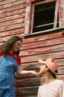 Theatre Bristol Charlotte's Web 2015 Ben Fitton as Wilbur and Emma Kennedy as Fern - 4